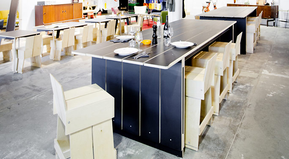 slide-TABLOK-TALLCHAIR_Gam01
